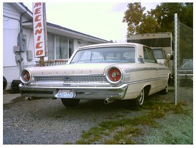 Ford Galaxie - 2-drzwiowy sedan (rok prod. 1963)
