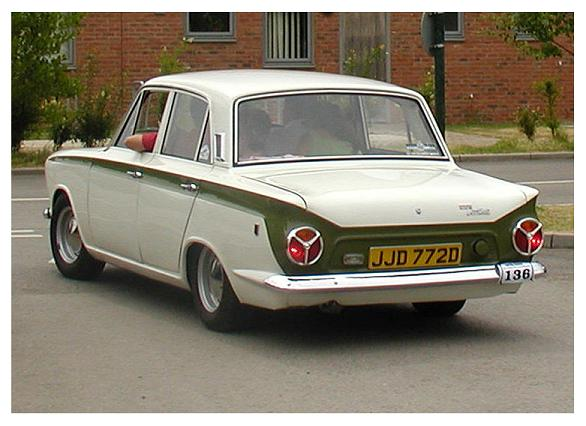 Ford Lotus Cortina - 2-drzwiowy sedan (1962-1966)